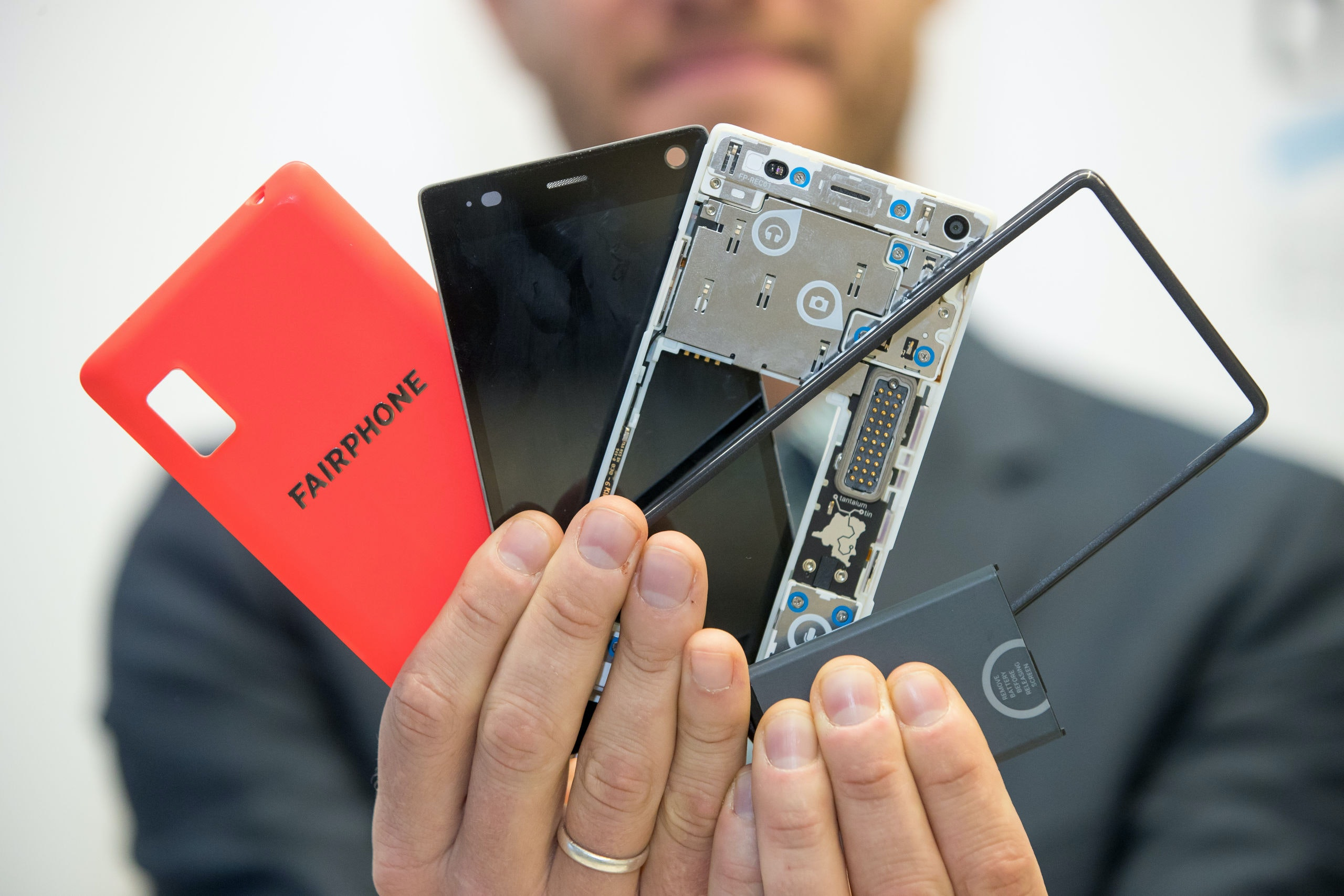 Bas van Abel, winner of the German Environment Award 2016 ('Deutscher Umweltpreis'), speaking about the 'Fairphone' during a press conference in Wuerzburg, Germany, 30 October 2016. The Dutch company was awarded for production smartphones which create as little environmental damage as possible and are produced under fair working conditions. PHOTO: DANIEL KARMANN/dpa